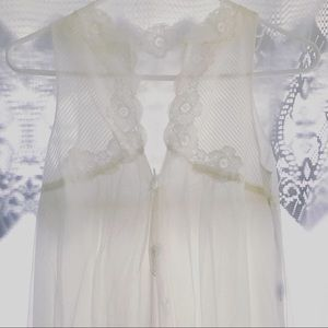 Other - White Chiffon Night Gown